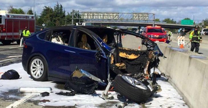 Auto autonoma Tesla incidente, articolo di approfondimento sulle auto a guida autonoma di Vanina Basilli