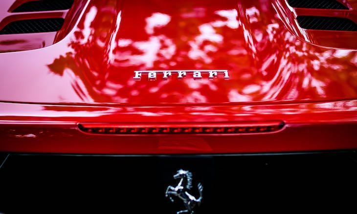 Il lettering e l'immagine grafica di Ferrari articolo di approfondimento di Gilles Dino Guarino