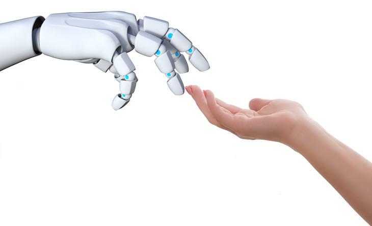 Articolo di approfondimento su Paolo Pepper il primo robot a lavorare in un hotel italiano