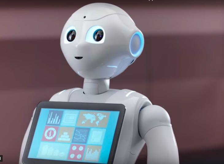 Articolo di approfondimento su Paolo Pepper il primo robot receptionist in Italia