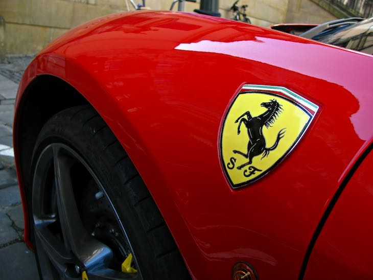 Articolo sul top brand Ferrari a cura di Gilles Dino Guarino