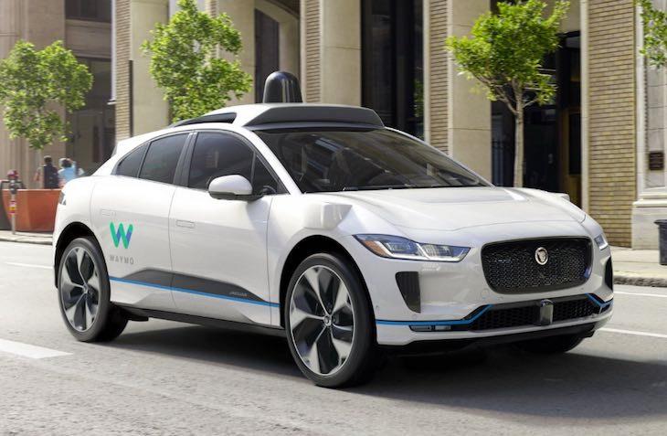 Auto autonoma Waymo di Google, articolo di approfondimento sulle auto a guida autonoma di Vanina Basilli