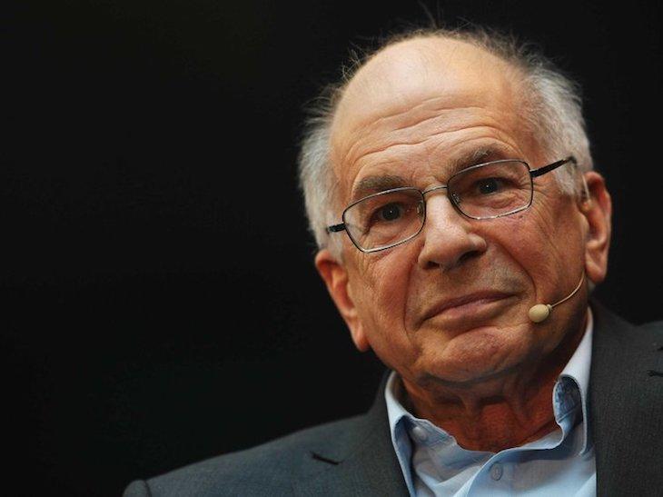 Daniel-Kahneman-articolo-di-approfondimento-sui-comportamenti-di-acquisto-Vanina-Basilli-copywriter