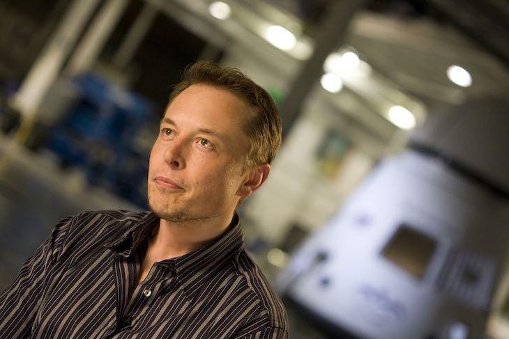 Articolo d'approfondimento sull'imprenditore visionario Elon Musk a cura di Gilles Dino Guarino social media manager