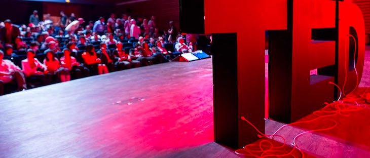 TED-conference-articolo-di-approfondimento-sul-marchio-Ted-Vanina-Basilli-copywriter