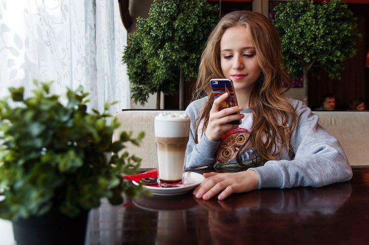 Articolo d'approfondimento su adolescenti, smartphone e social network a cura di Gilles Dino Guarino social media manager